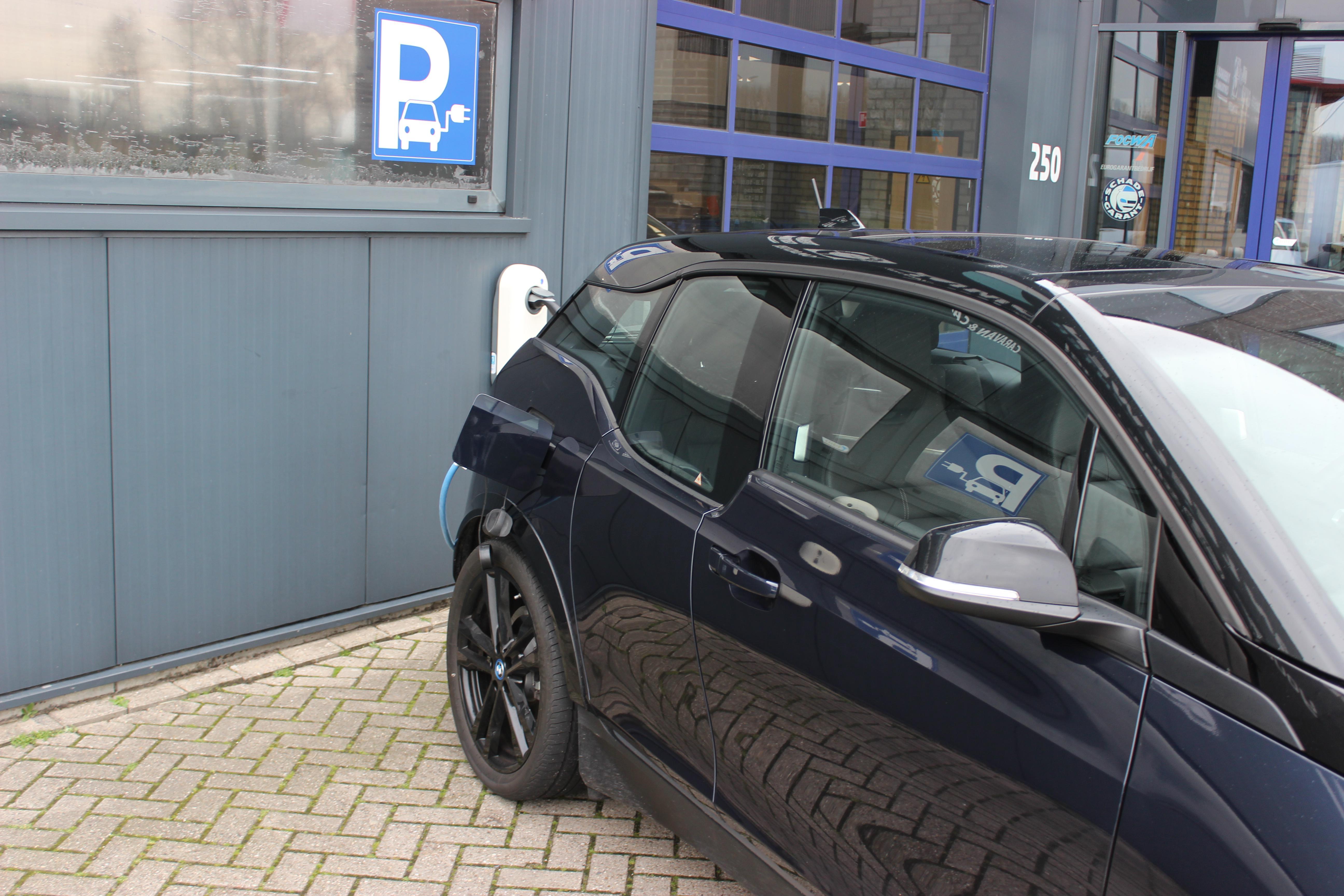 BMW i3 laadpaal