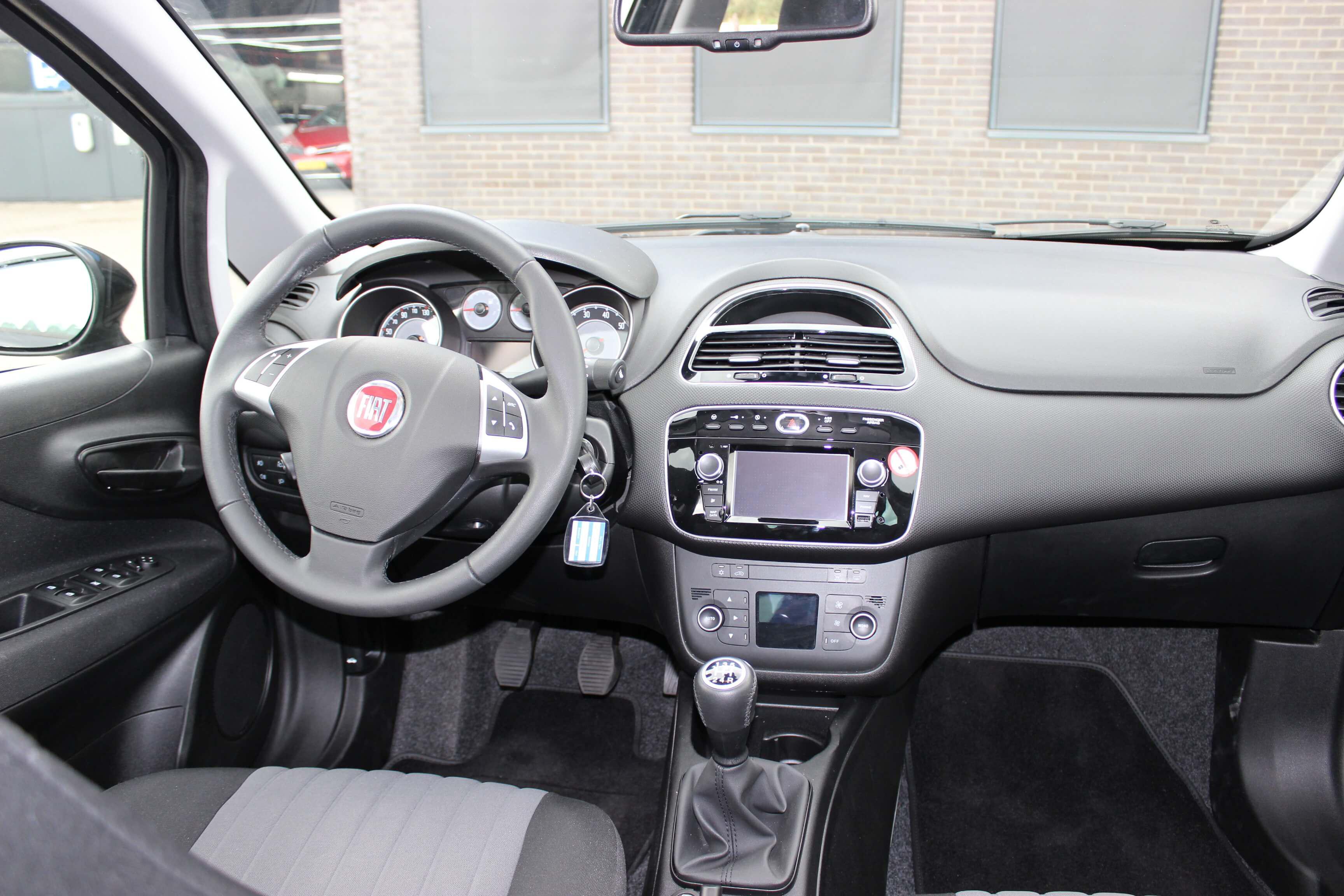 Fiat Punto Evo binnenkant 1