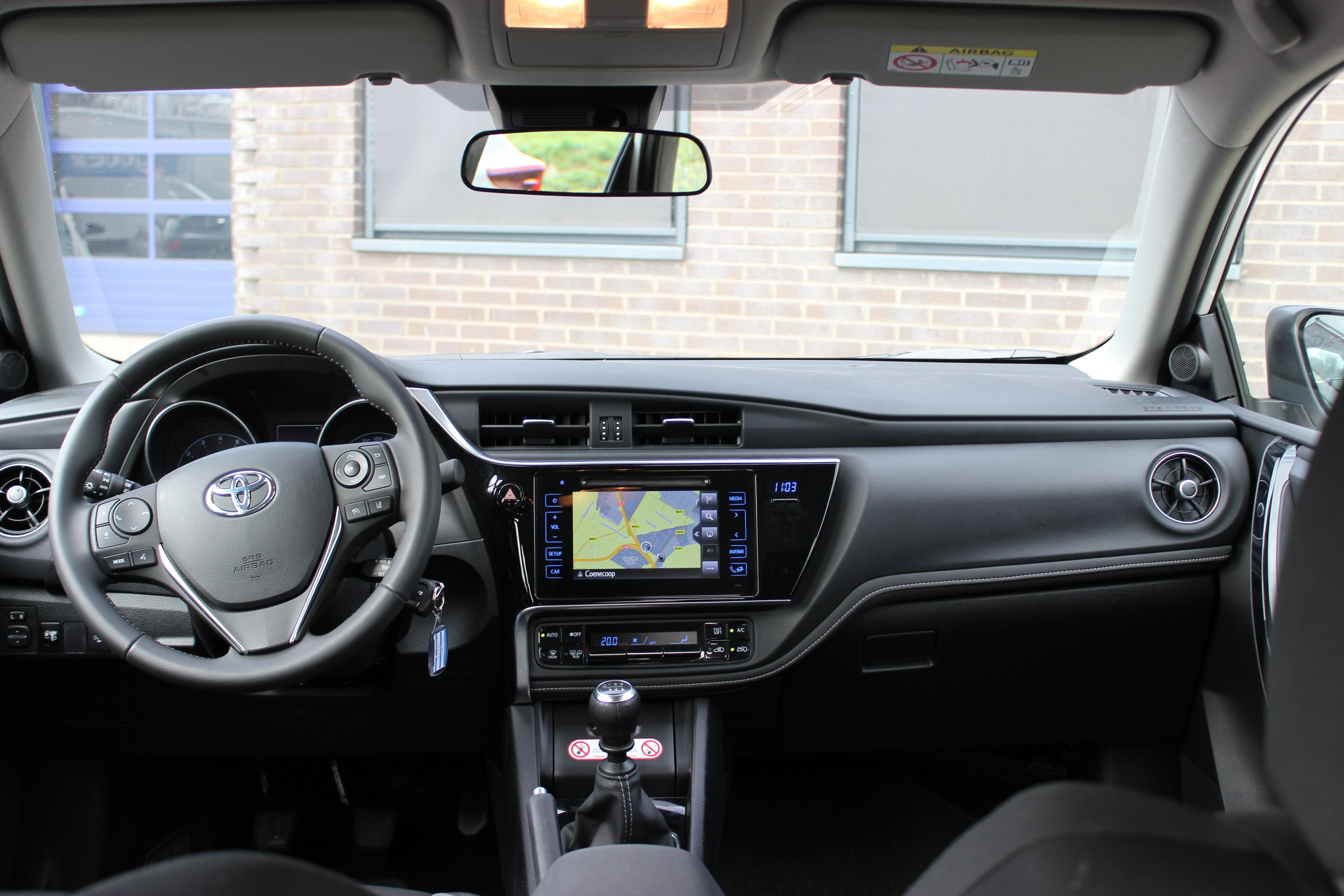 Toyota Auris TS energy binnenkant