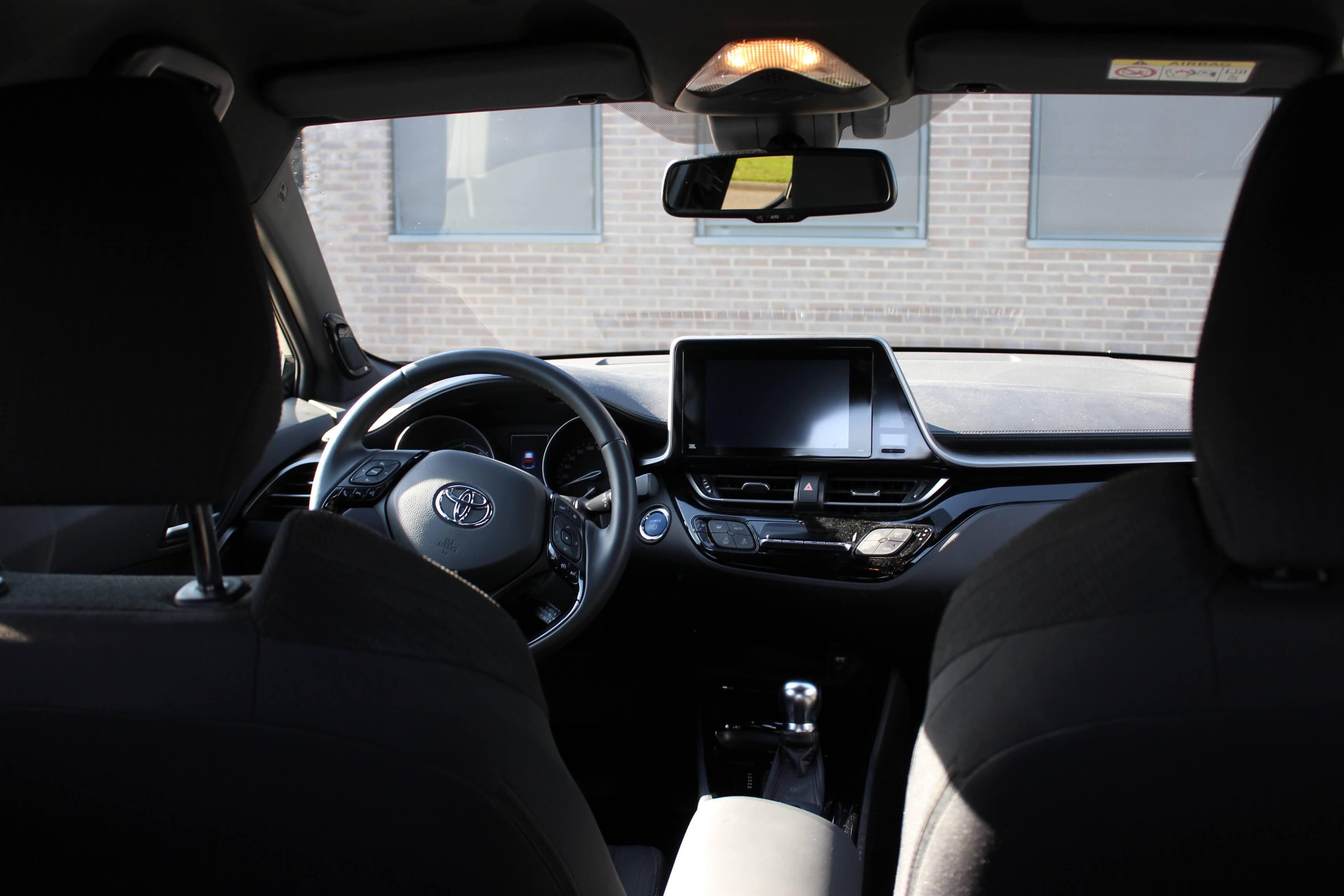 Toyota C-HR binnenkant 1