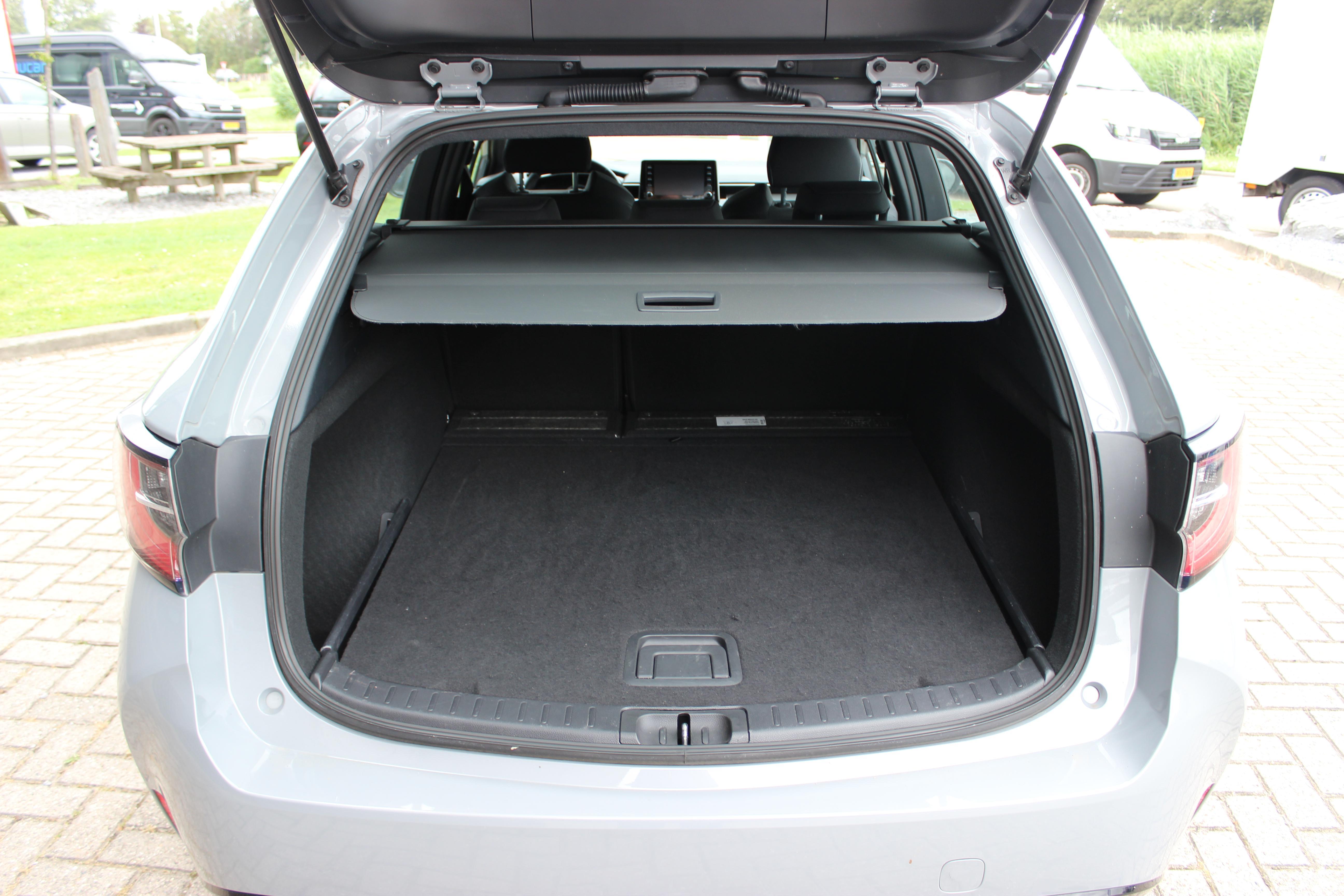 Toyota Corolla TS Hybrid kofferbak