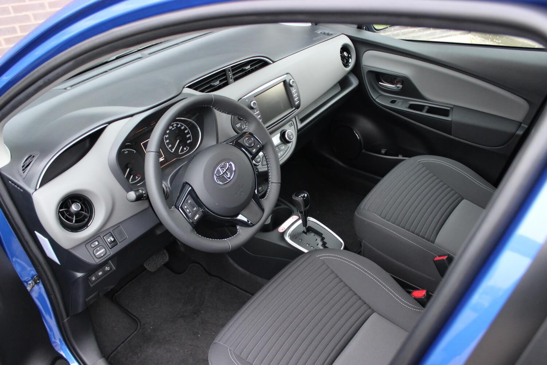 Toyota Yaris Hybrid binnenkant