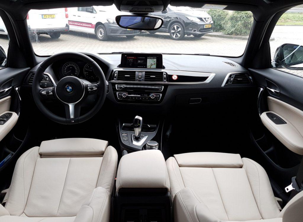 BMW 1-serie automaat binnenkant