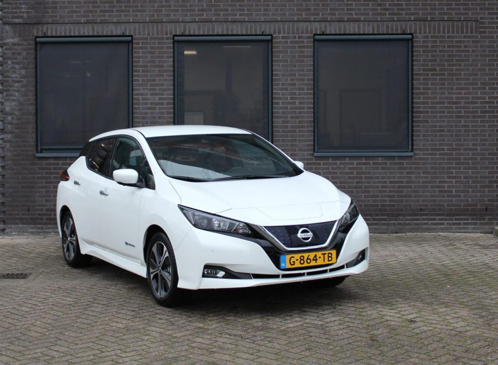 nissan leaf wit